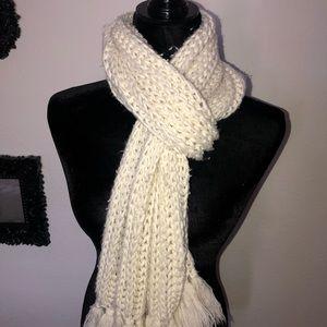 Cozy cream crochet 🧶 cream scarf 🧣